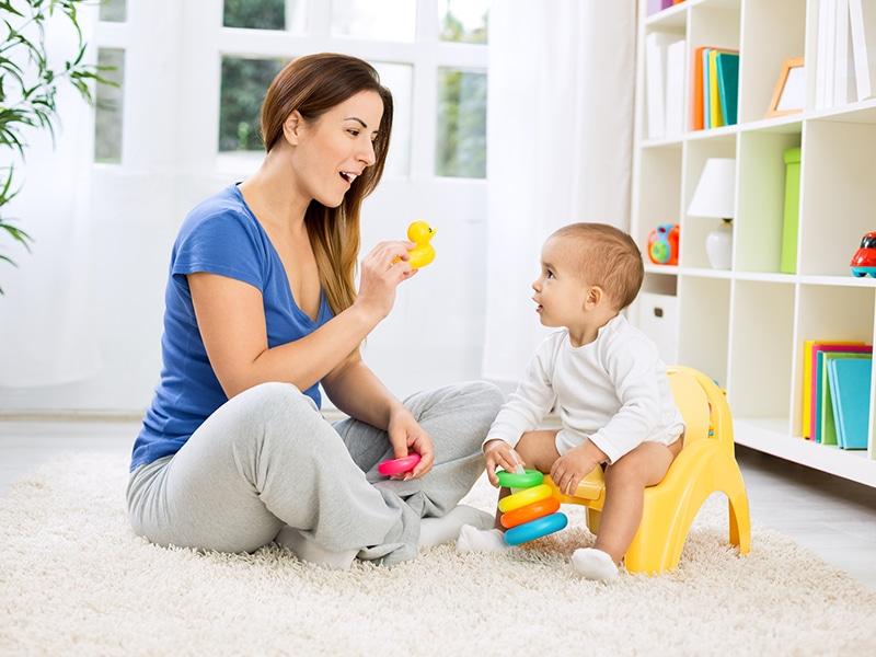 Blickkontakt mit Baby